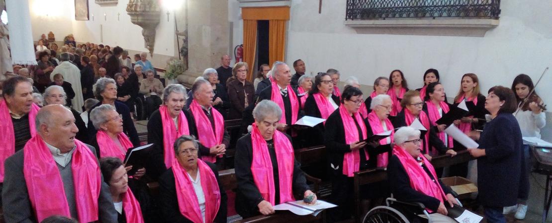 Coro Da Casa De Formação Das Irmãs Franciscanas Da Imaculada Conceição Povos Todos Cantai